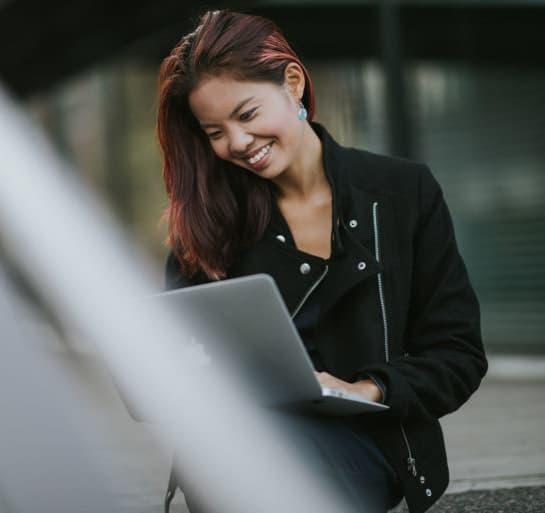 Image of a Xolo employee
